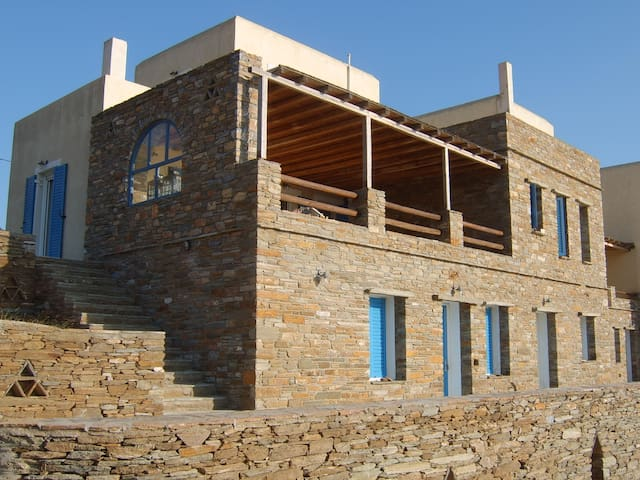 Private villa at the hills of Batsi - Andros - Casa
