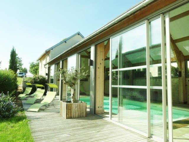 Belle Demeure Berrichonne - Piscine et Tennis... - Chabris - House