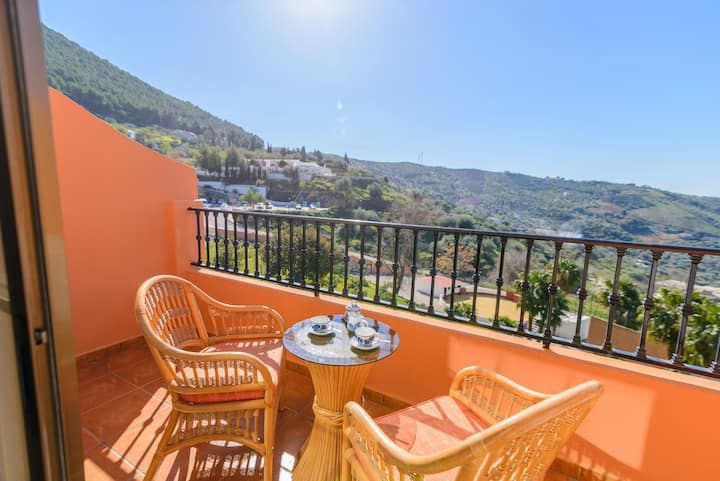 Apartment with one bedroom in Alcaucín, with wonderful mountain view and furnished terrace