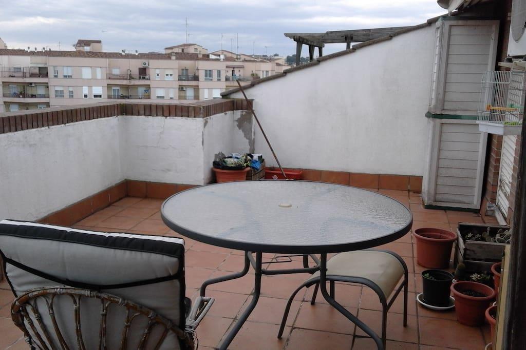 Terraza de arriba con excelentes vistas desde la zona alta de Lleida