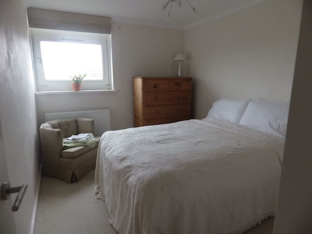 Comfy double bed in Weybridge