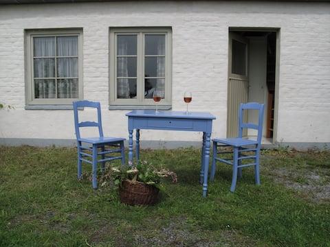 Studio 'Gagelhof' with natural garden. Free bikes