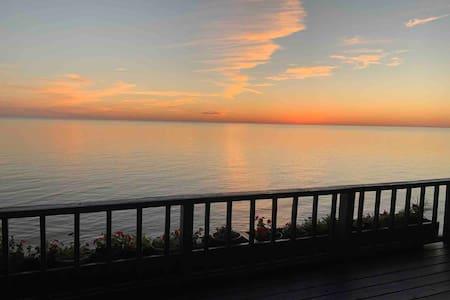 Lake Michigan Beach House - Mears, MI
