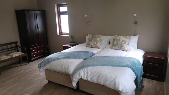 Blue Berry Spacious & Tranquil Twin Room