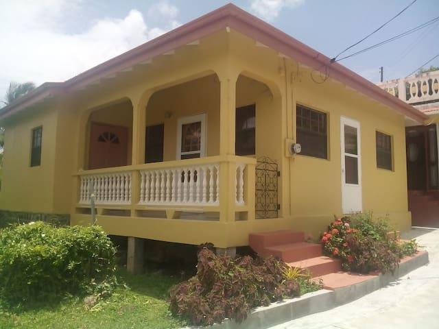 Maison Tida House