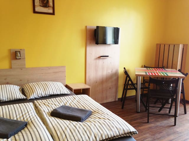 cosy new apartment with fully equipped kitchen - Cracovia - Appartamento