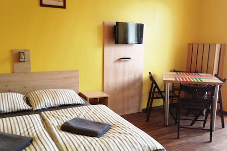 cosy new apartment with fully equipped kitchen - Kraków - Leilighet