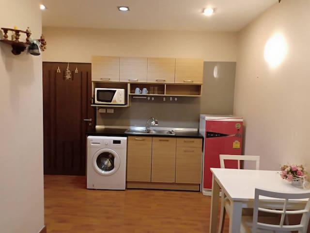 Pantry and washing machine