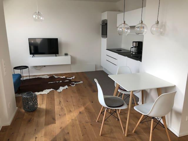 ERSTBEZUG. Sonnige & modern möblierte Wohnung