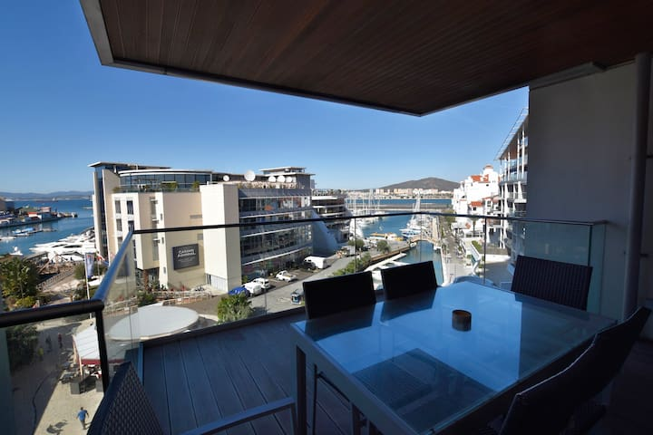 Large Apartment in Tradewinds, Marina Bay - Gibraltar - Apartment