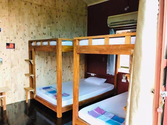 Dorm Room - Green Hill Hostel