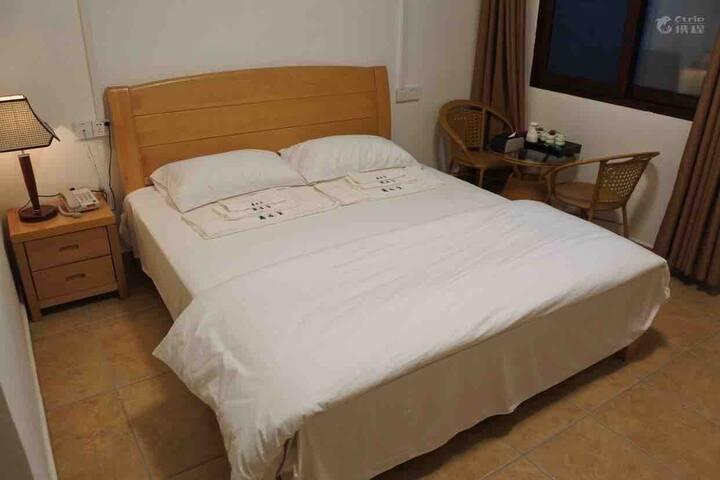 四姑娘客栈标准大床房