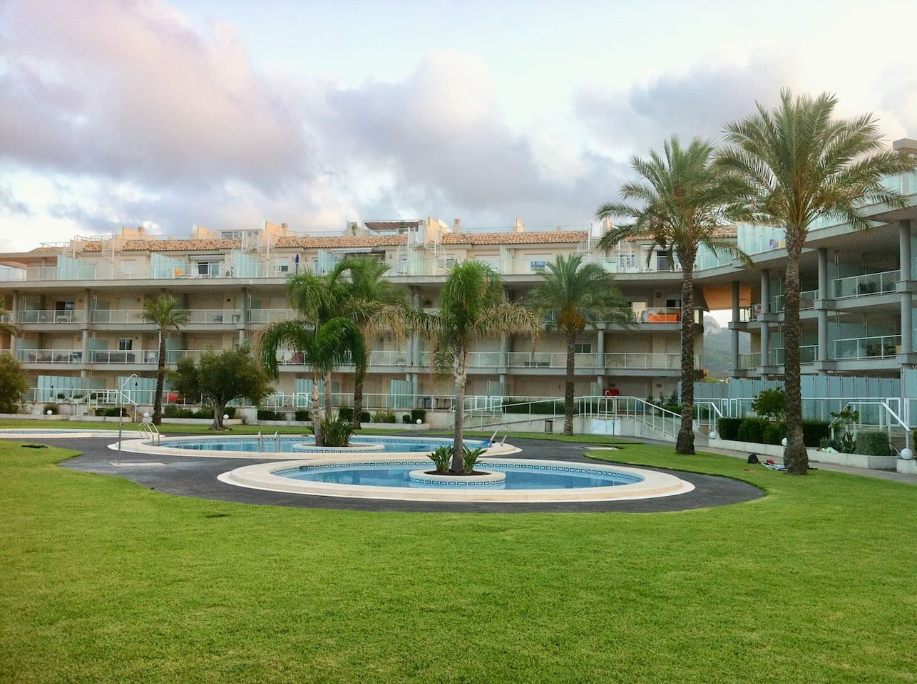 Urbanización con acceso directo a la playa.