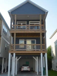 3BR 3 BA- ICW Boat Access- Pool, Dining, Clubhouse