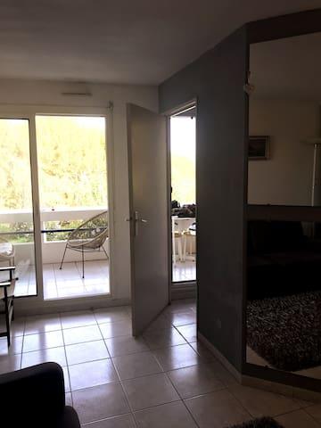 Studio de 25 m² avec balcon à 2 pas de la plage