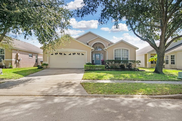 4 BR POOL Home w/GAME Room & SPA. 10 Min to Disney