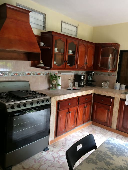 Fully functional eat-in kitchen