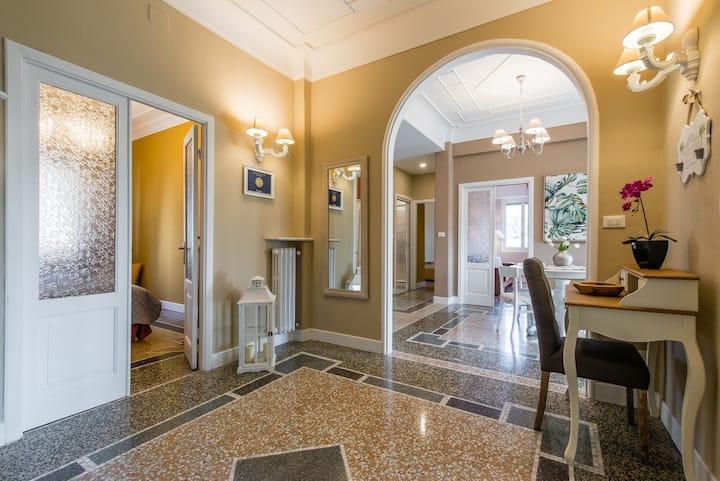 VICTORIA: romantic & luxury apartment