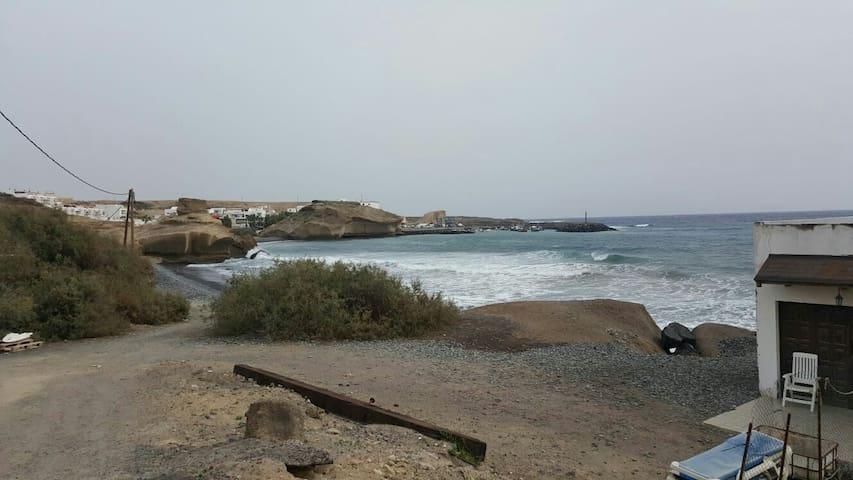 Playa Las Arenas, Tajao - Fasnia - Hus