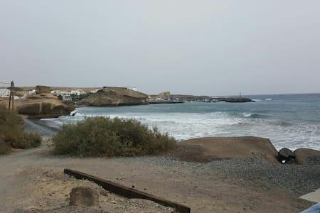 Playa Las Arenas, Tajao - Fasnia - Dom