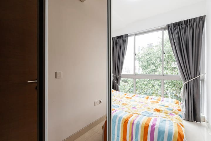 Cosy & Clean 2BR Full-equipped Apt/Near MRT@Centra