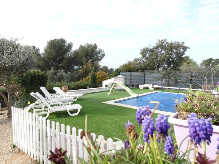 Villa 4 chambres avec piscine nature et plage
