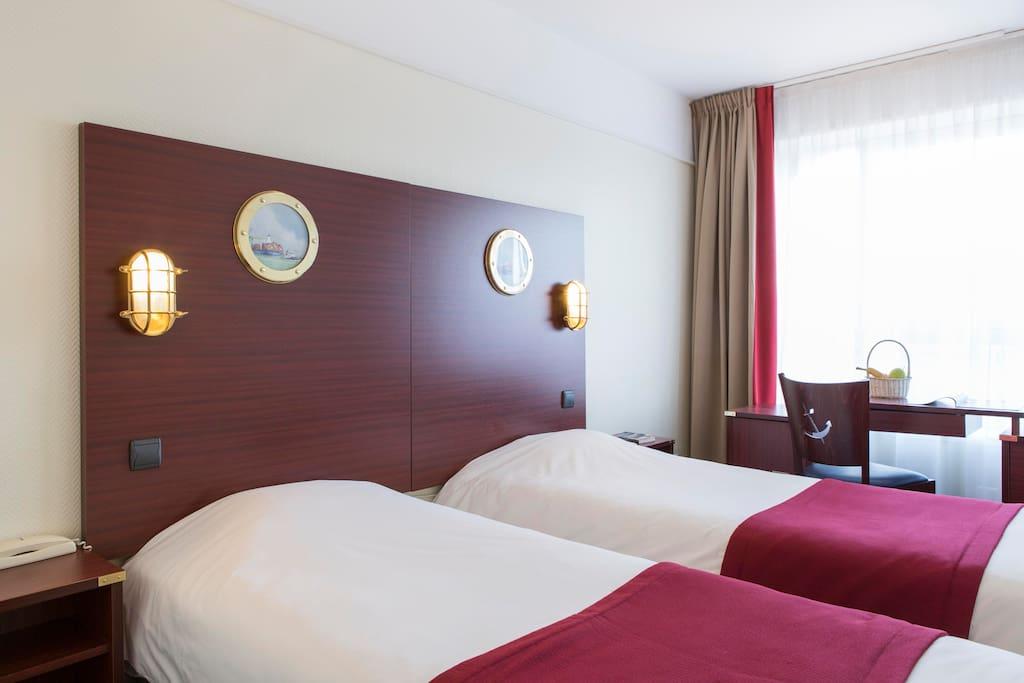 Belle chambre avec 2 lits petits d jeuners inclus bed - Chambre des commerces dunkerque ...