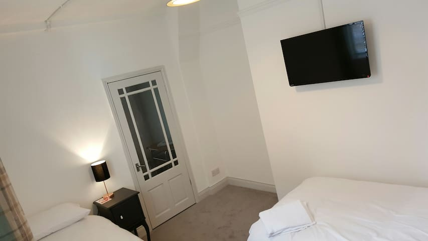 Royalty Self Service Apartments - Sunderland - Apartment