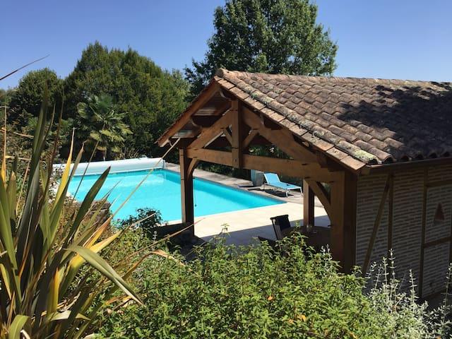 Chambre privée avec piscine