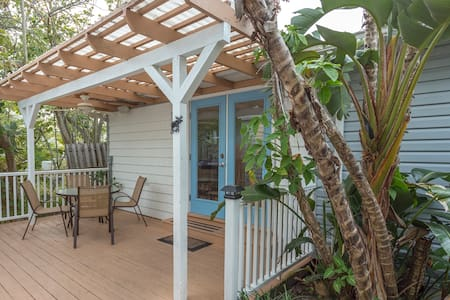 Spacious 3Br, Sunset Beach Getaway