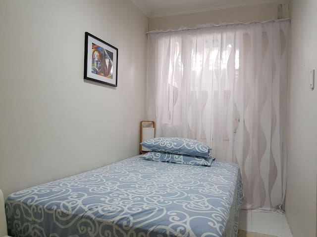 FOR FAMILY OF 7 GUEST HOUSE NR. MANILA AIRPORT.