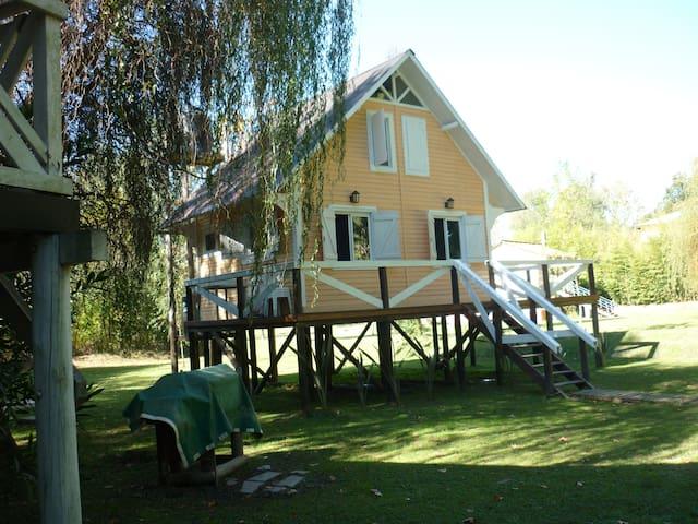 Hermosa Cabaña en la isla, río delta tigre - tigre - Natur-Lodge