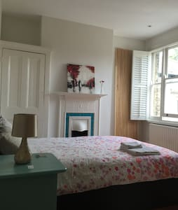 Private Bright & Airy Double Room