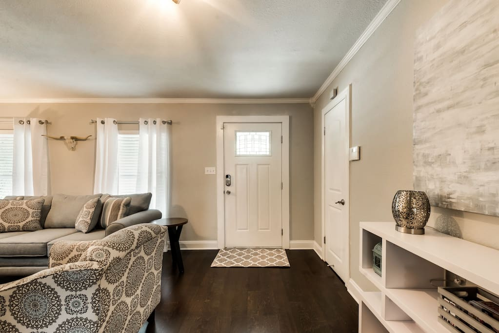 Entry and living space