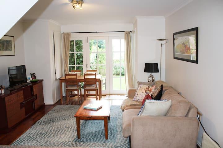 Charming, modern & spacious home in a leafy street