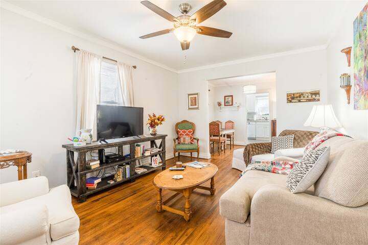 Cozy & Cumberland - Minutes to downtown Greenville! COVID 19 professional cleaning standards!
