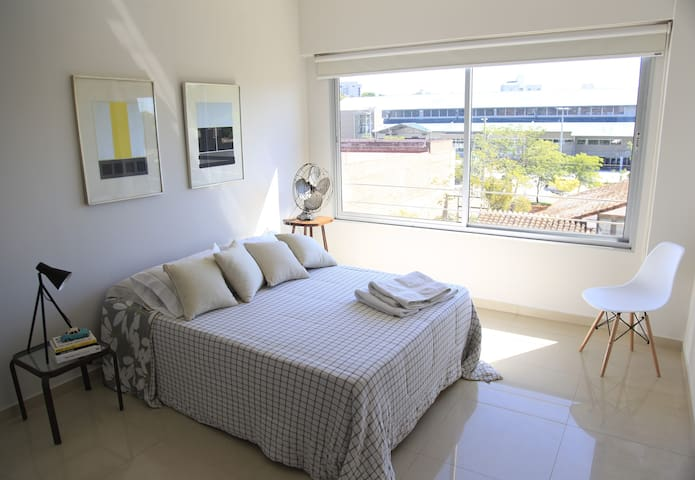 Luxury Room+Bathroom+Parking - Top area in Asu