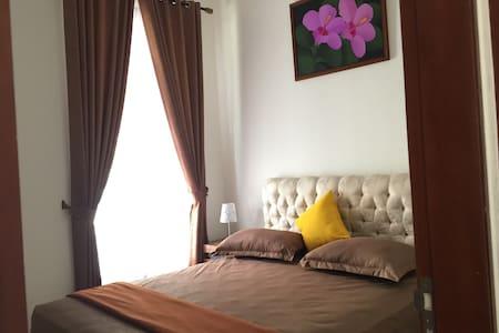 Deluxe Cozy Room B