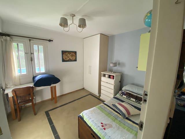 Dormitorio abajo (cama marinera)