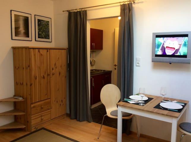 """Kleines, gemütliches Apartment für """"Zwei"""" - Westendorf - Apartamento"""