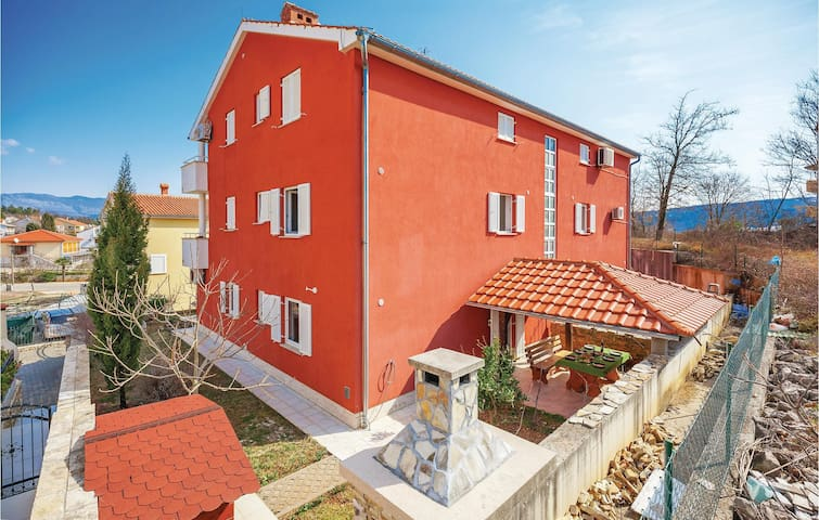 Holiday apartment with 2 bedrooms on 66 m² in Cizici