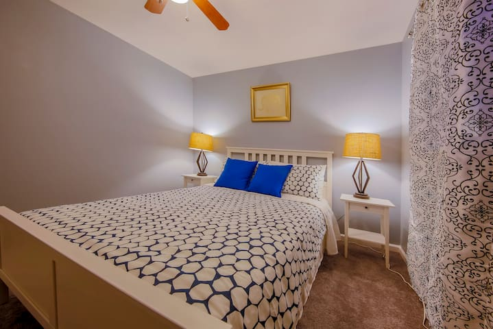 Modesto Cozy Bedroom 2 share bathroom