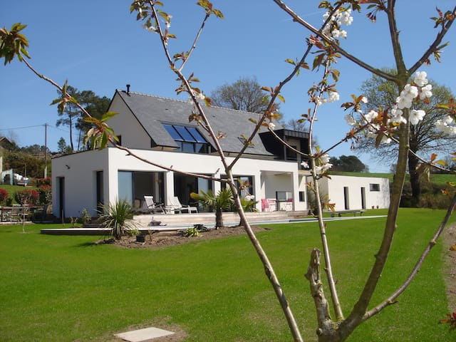 Villa Entière Mi-Juin /Juill./ Août - Béganne - วิลล่า