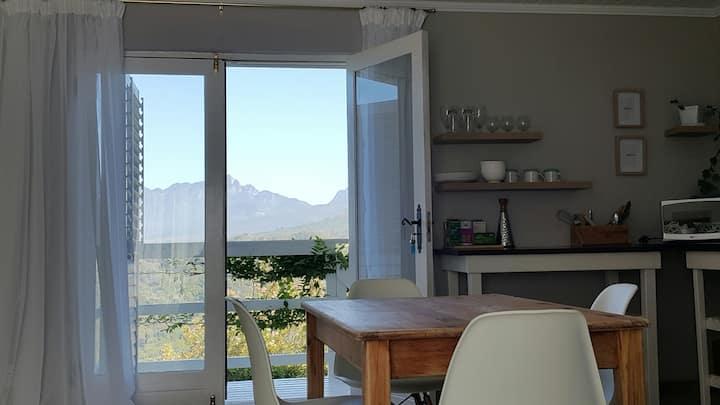 Satori Place, tranquil studio with exquisite views