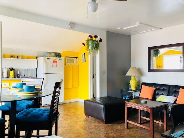 2 BEDROOMS/Studio Free Parking/Wifi/Prime Location