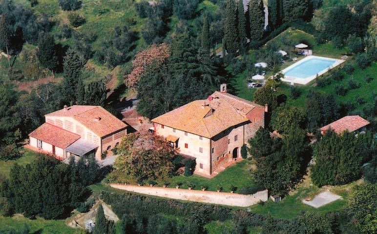 Panoramic double bedroom in the heart of Tuscany!