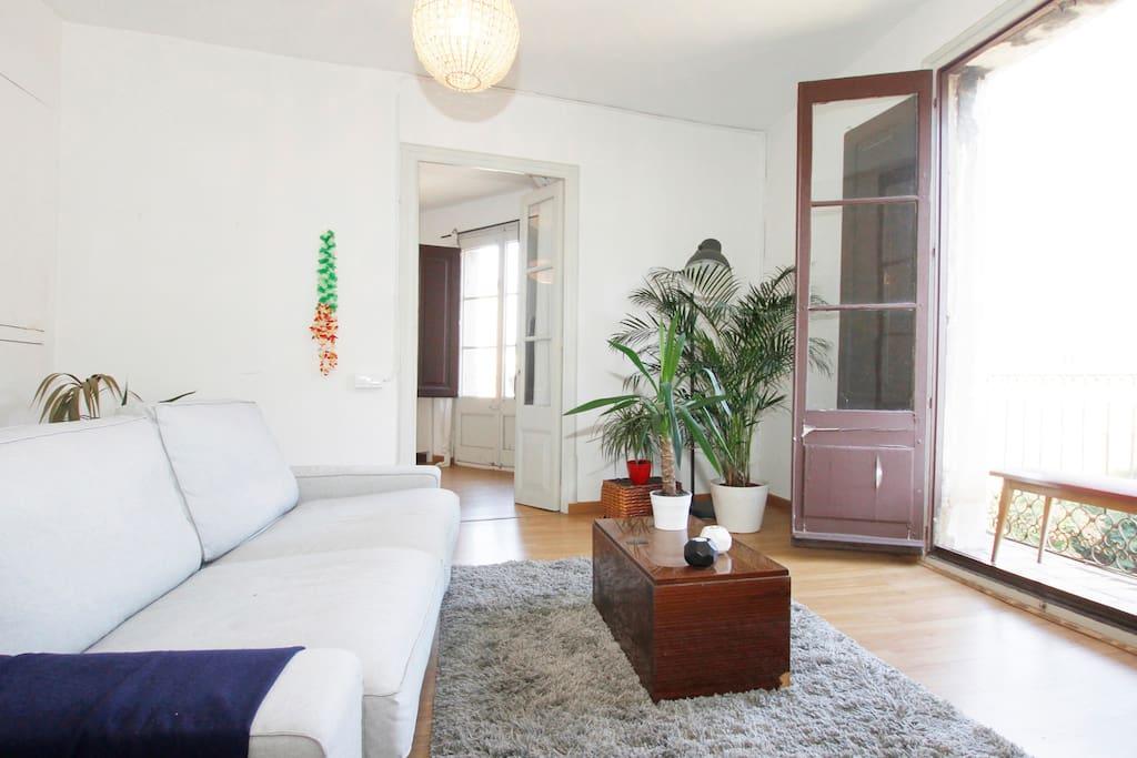 Camera luminosa nel cuore di barcellona appartamenti in for Appartamenti barcellona affitto vacanze