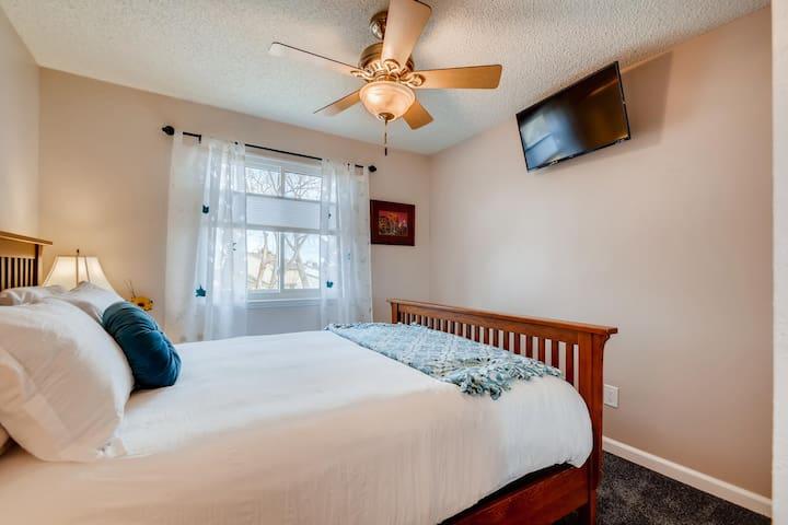 Guest bedroom (up)