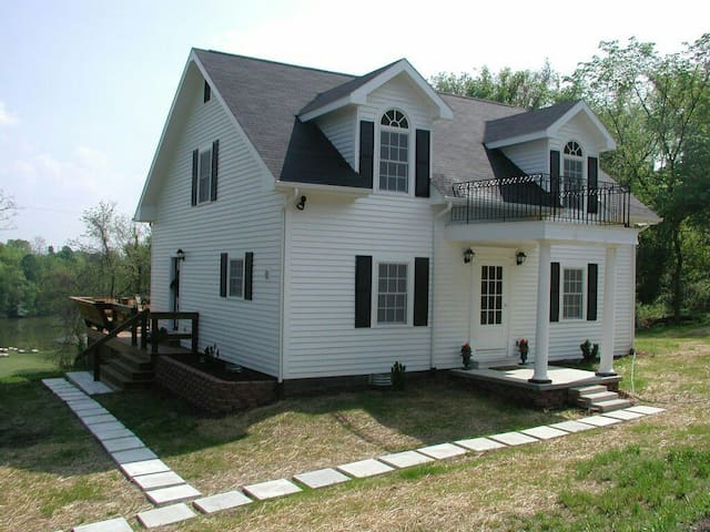 Ohio River Guest House - Hamilton - Apartmen