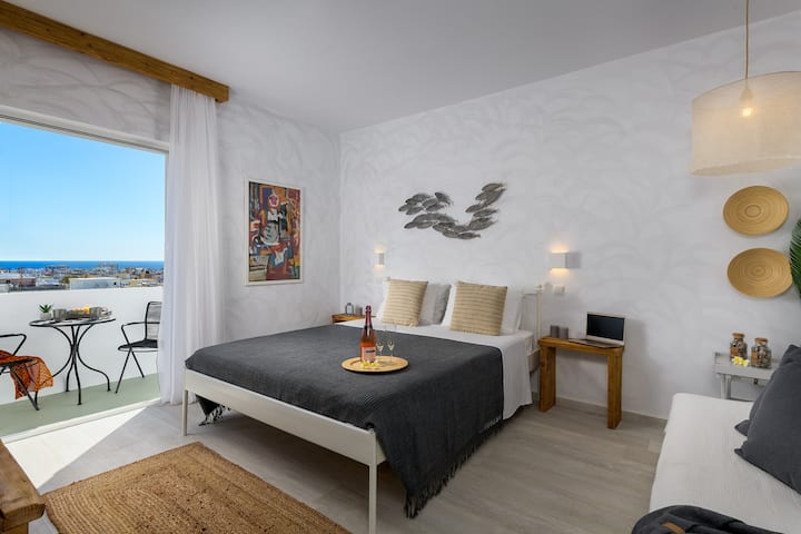 NEW: White Perla Suite: Top Views,Min. to Old Town